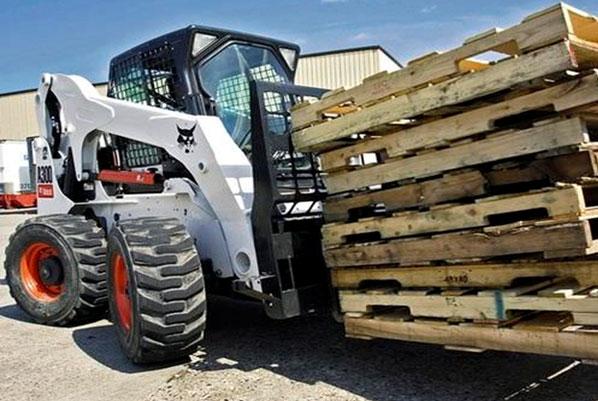 All wheel steer bobcat hire gold coast