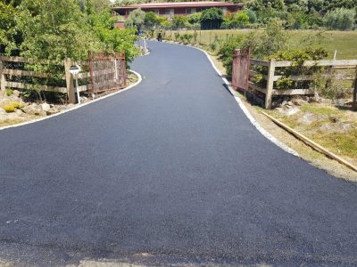 Concrete edged asphalting acreage driveway gold coast brisbane