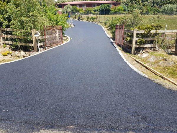 Concrete edged asphalting acreage driveway gold coast brisbane